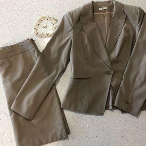 Worthington beige business skirt suit